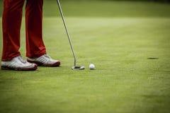 Φορέας γκολφ στην τρύπα Στοκ φωτογραφίες με δικαίωμα ελεύθερης χρήσης