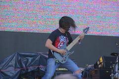 Φορέας κιθαριστών βράχου Headbanging στοκ εικόνα με δικαίωμα ελεύθερης χρήσης