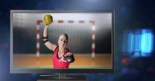 φορέας χάντμπολ στην τηλεόραση Στοκ εικόνα με δικαίωμα ελεύθερης χρήσης
