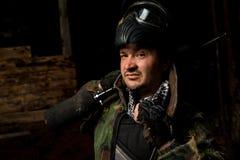 Φορέας Paintball που προετοιμάζεται για τη μάχη Στοκ Φωτογραφία