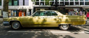 Φορείο Deville, 1970 Cadillac αυτοκινήτων πολυτέλειας φυσικού μεγέθους Στοκ Φωτογραφίες