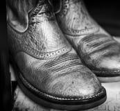 Φορεμένα παπούτσια των ατόμων Στοκ εικόνες με δικαίωμα ελεύθερης χρήσης