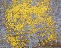 Φορεμένο κίτρινο χρώμα στη σύσταση φύλλων μετάλλων Στοκ φωτογραφία με δικαίωμα ελεύθερης χρήσης