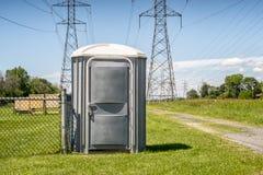 Φορητή υπαίθρια τουαλέτα στοκ φωτογραφίες
