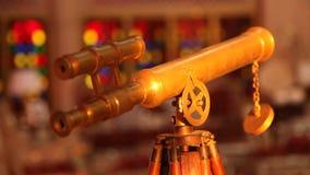 Φορητό τηλεσκόπιο στην κινηματογράφηση σε πρώτο πλάνο στάσεων φιλμ μικρού μήκους