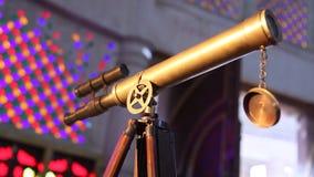 Φορητό τηλεσκόπιο στη στάση φιλμ μικρού μήκους