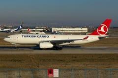 Φορτίο airbus της Turkish Airlines A330 Στοκ εικόνες με δικαίωμα ελεύθερης χρήσης