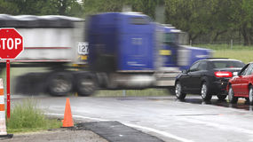 Φορτηγά κινδύνου στοκ εικόνα με δικαίωμα ελεύθερης χρήσης