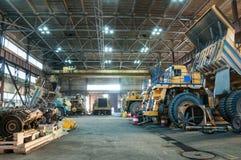 Φορτηγά στις επισκευές Στοκ Φωτογραφίες