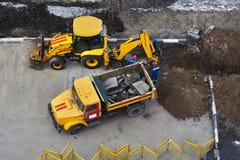 Φορτηγό απορρίψεων και τρακτέρ p4 Στοκ Φωτογραφίες