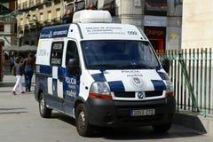Φορτηγό αστυνομίας της Μαδρίτης στο δήμαρχο Plaza στη Μαδρίτη, Ισπανία Στοκ εικόνες με δικαίωμα ελεύθερης χρήσης
