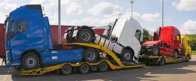 Φορτηγό μεταφορέων φορτηγών στοκ εικόνα με δικαίωμα ελεύθερης χρήσης