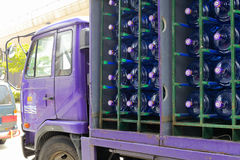 Φορτηγό μεταλλικού νερού στοκ εικόνες με δικαίωμα ελεύθερης χρήσης