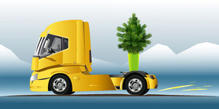 Φορτηγό με το πράσινο δέντρο ελεύθερη απεικόνιση δικαιώματος
