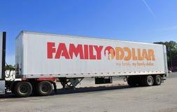Φορτηγό οικογενειακών δολαρίων Στοκ Φωτογραφία