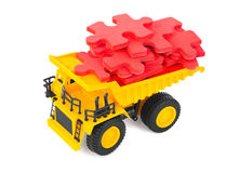 Φορτηγό παιχνιδιών με το γρίφο Στοκ εικόνα με δικαίωμα ελεύθερης χρήσης