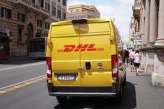 Φορτηγό παράδοσης DHL Στοκ εικόνες με δικαίωμα ελεύθερης χρήσης