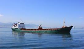 Φορτηγό πλοίο στοκ εικόνα με δικαίωμα ελεύθερης χρήσης