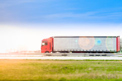 Φορτηγό στην εθνική οδό στοκ εικόνα