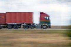 Φορτηγό στην ορμή Στοκ εικόνες με δικαίωμα ελεύθερης χρήσης