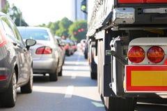 Φορτηγό στη συμφόρηση στοκ εικόνες με δικαίωμα ελεύθερης χρήσης