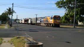 Φορτηγό τρένο με το φορτίο, ειρηνικό εθνικό Queensland, Rockhampton Αυστραλία στοκ φωτογραφία