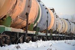 Φορτηγό τρένο σιδηροδρόμων Δεξαμενές για το πετρέλαιο και το φυσικό αέριο Χειμώνας Ρωσία στοκ φωτογραφίες