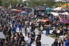 Φορτηγό τροφίμων ή φεστιβάλ κουζινών κυλίσματος στο Άμστερνταμ Στοκ φωτογραφίες με δικαίωμα ελεύθερης χρήσης