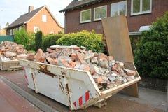 Φορτωμένος dumpster Στοκ εικόνα με δικαίωμα ελεύθερης χρήσης