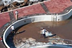 ΦΟΥΝΚΑΛ, MADEIRA/PORTUGAL - 10 ΑΠΡΙΛΊΟΥ: Καθαρισμός της ομάδας του βούρκου Στοκ φωτογραφία με δικαίωμα ελεύθερης χρήσης