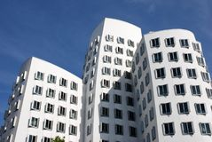 Φουτουριστικά σπίτια Gehry σε Medienhafen σε DÃ ¼ sseldorf, Γερμανία Στοκ Εικόνες