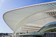 Φουτουριστική στέγη του σταθμού Guillemins από Calatrava Στοκ Φωτογραφία