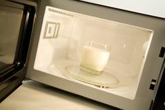 φούρνος μικροκυμάτων στοκ φωτογραφία με δικαίωμα ελεύθερης χρήσης