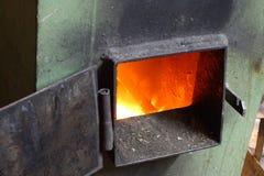 φούρνος που ανοίγουν Στοκ φωτογραφία με δικαίωμα ελεύθερης χρήσης