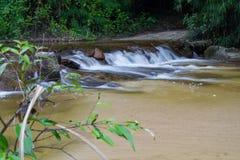 Φράγματα Cheack από το βουνό για γεωργικό στο amphoe Srimuan Στοκ εικόνες με δικαίωμα ελεύθερης χρήσης
