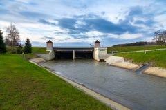 Φράγμα στον ποταμό, Plzen, Δημοκρατία της Τσεχίας Στοκ φωτογραφίες με δικαίωμα ελεύθερης χρήσης