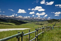 Φράκτης βουνών στοκ εικόνα με δικαίωμα ελεύθερης χρήσης