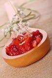 φράουλα μασκών μελιού προσώπου Στοκ Φωτογραφίες