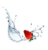 Φράουλα στο ύδωρ στοκ φωτογραφία με δικαίωμα ελεύθερης χρήσης