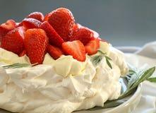 φράουλα pavlova Στοκ εικόνα με δικαίωμα ελεύθερης χρήσης