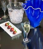 Φράουλες & CHAMPAGNE στοκ εικόνα με δικαίωμα ελεύθερης χρήσης