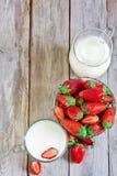 Φράουλα και γάλα Στοκ Εικόνα