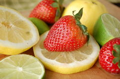 Φράουλα και κινηματογράφηση σε πρώτο πλάνο φρούτων Στοκ Φωτογραφίες