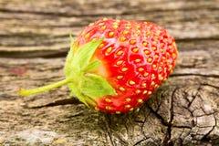 Φράουλα σε έναν πίνακα Στοκ Εικόνα