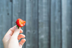 Φράουλα σε ένα κιβώτιο στοκ εικόνες