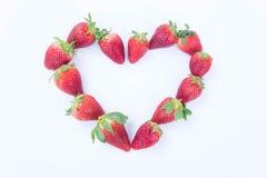 Φράουλα στο άσπρο υπόβαθρο fruit& x27 υγιεινός εγκάρδιος του s, χρήσιμος στοκ εικόνα με δικαίωμα ελεύθερης χρήσης