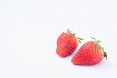 Φράουλα στο άσπρο υπόβαθρο fruit& x27 υγιεινός εγκάρδιος του s, χρήσιμος στοκ εικόνα