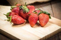 Φράουλα στο ξύλο Στοκ φωτογραφίες με δικαίωμα ελεύθερης χρήσης