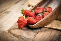 Φράουλα στο ξύλο Στοκ εικόνα με δικαίωμα ελεύθερης χρήσης