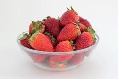 Φράουλα στο πιάτο γυαλιού στοκ εικόνες με δικαίωμα ελεύθερης χρήσης